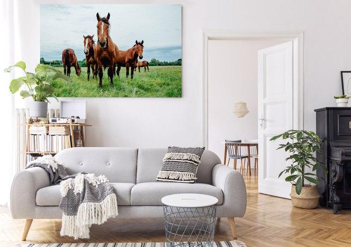Obraz konie w salonie