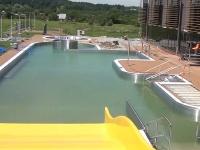 BASEN LESKO: Brodzik, hydromasaż i zjeżdżalnia. Znamy ceny wstępu na basen odkryty w Lesku (FILM, ZDJĘCIA)