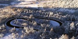 W ostatnich dniach zima daje w kość. Drogowcy na posterunku (FILM)