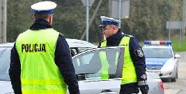 KRONIKA POLICYJNA: Kradzież na blisko 2 tysiące złotych i oszuści internetowi