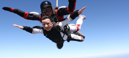 RZESZOW24.PL: Skoki spadochronowe w tandemie. To wcale nie jest trudne! Przekonaj się (FILM)