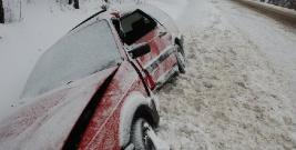 W Berezce zderzyły się 3 pojazdy. Na drodze panują trudne warunki (ZDJĘCIA)