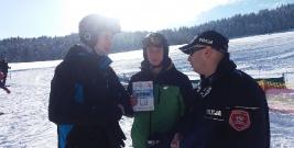 Lescy policjanci dbali o bezpieczeństwo narciarzy na stoku Lesko – Ski Weremień (ZDJĘCIA)