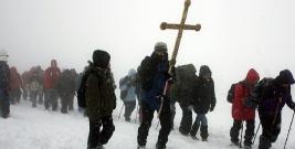 Bieszczadzka Droga Krzyżowa z Wołosatego na Przełęcz Bukowską w sobotę przed Niedzielą Palmową