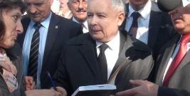 PiS pielgrzymuje do Strachociny. Jarosław Kaczyński spotkał się z mieszkańcami regionu (FILM)