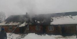 W Bukowcu palił się dom. Akcja ratownicza trwała 5 godzin (ZDJĘCIA)