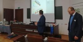 Seminarium poświęcone nowoczesnym badaniom tworzyw sztucznych. Pokazano metody stosowane w najlepszych laboratoriach (ZDJĘCIA)