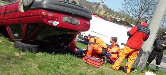 Wypadek samochodowy, na quadzie i motocyklu. Poparzenie i postrzelenie… Sanok poligonem ćwiczeń ratowniczych (FILM)