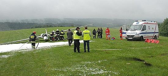 Zderzenie samolotu z szybowcem w Bezmiechowej. Motorówka uderza w statek spacerowy na Jeziorze Solińskim (ZDJĘCIA)