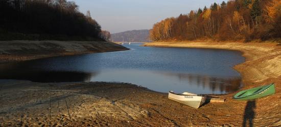 SOLINA: Stan wody w Zalewie Solińskim obniżył się o 4 metry (ZDJĘCIA)