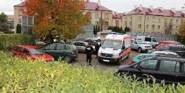 SANOK: Tragedia przy ulicy Kluski. Zwłoki mężczyzny wiszące na drzewie (FILM, ZDJĘCIA)
