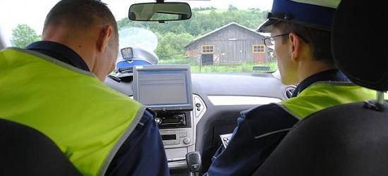 Pijany za kierownicą pługopiaskarki i osobowej skody zatrzymany dwukrotnie