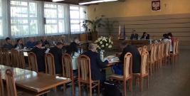 Burmistrz bez podwyżki i burzliwa dyskusja wokół świetlicy w Jankowcach (FILM)
