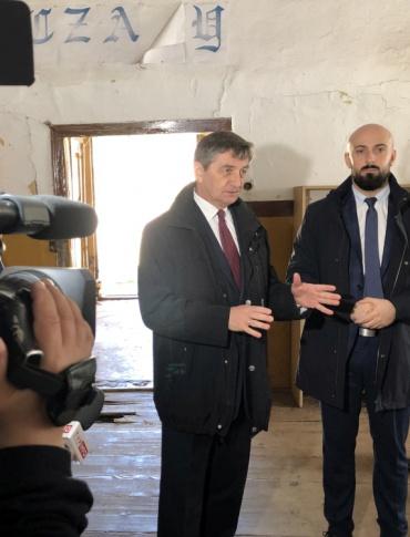 Marszałek Sejmu Marek Kuchciński pomoże w odbudowie zrujnowanego budynku świetlicy w Jankowcach (FOTO)
